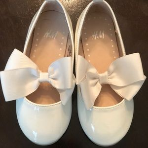 H&M Toddler Bow Shoes